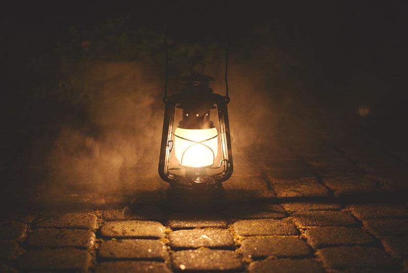 moody gas light